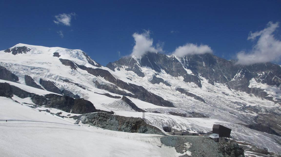 Saas Fee skiing in Switzerland